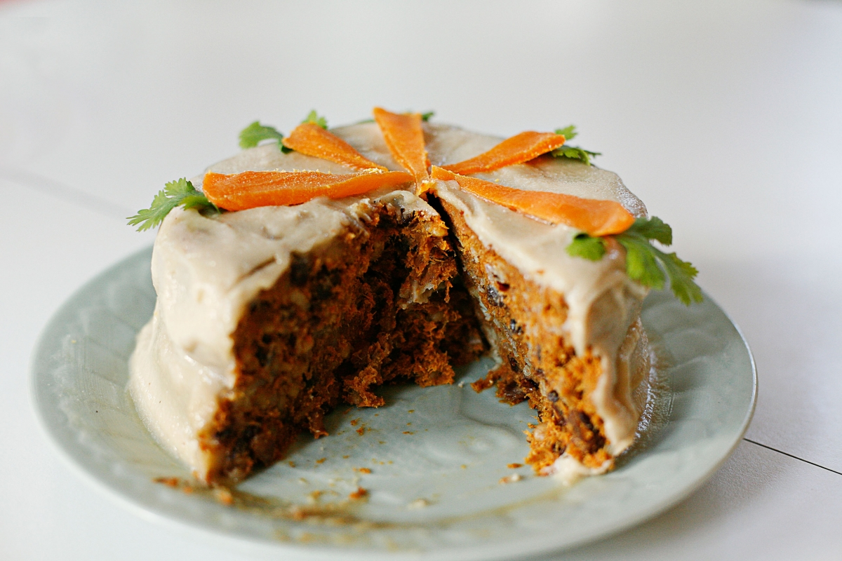 Raw Vegan Carrot Cake Recipe